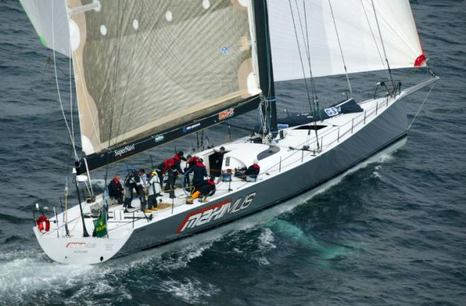 Maximus Wins Cowes Round the Island Race
