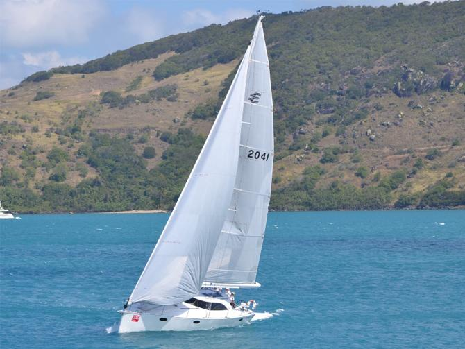 Elliott 1350 Tourer Wins Gun Boat Award at Hamilton Island Race Week
